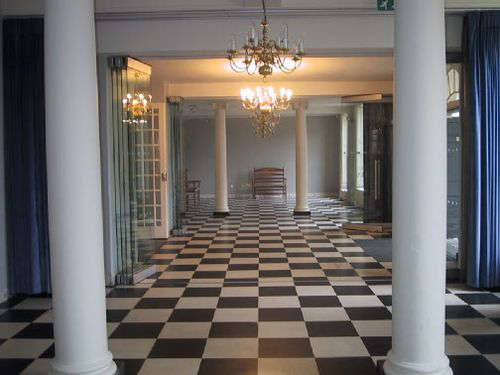 Foyer of subscription rooms_1