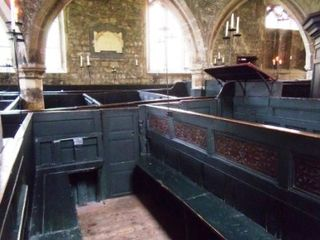 Holy_trinity_church_goodramgate_york_pew