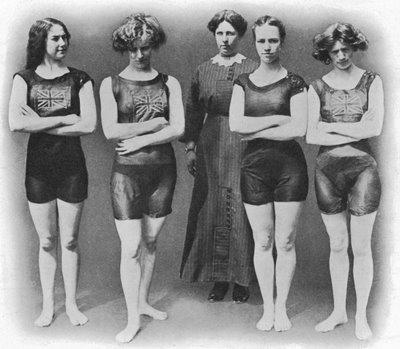 Englishladiesswimmingteam1912_3